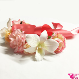 Collare in raso corallo con fiori rosa e pesca