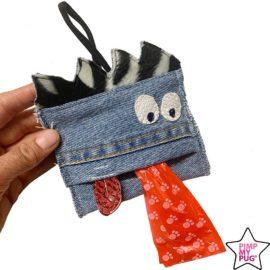 Portasacchetti in jeans a forma di mostro